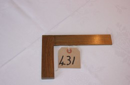 Furnishings – Wooden Square (20cm)