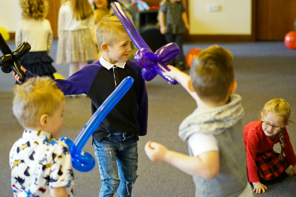 balloon modelling and games the little party people